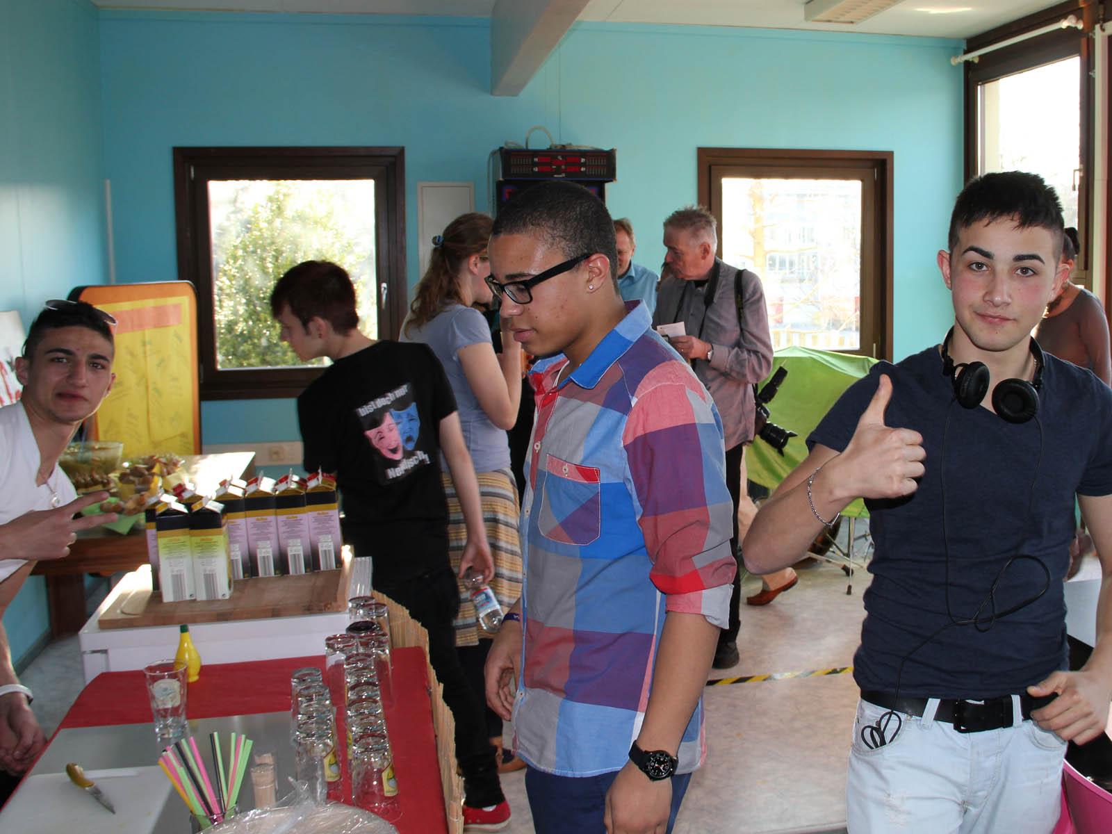 Jugendliche im Jugendhaus