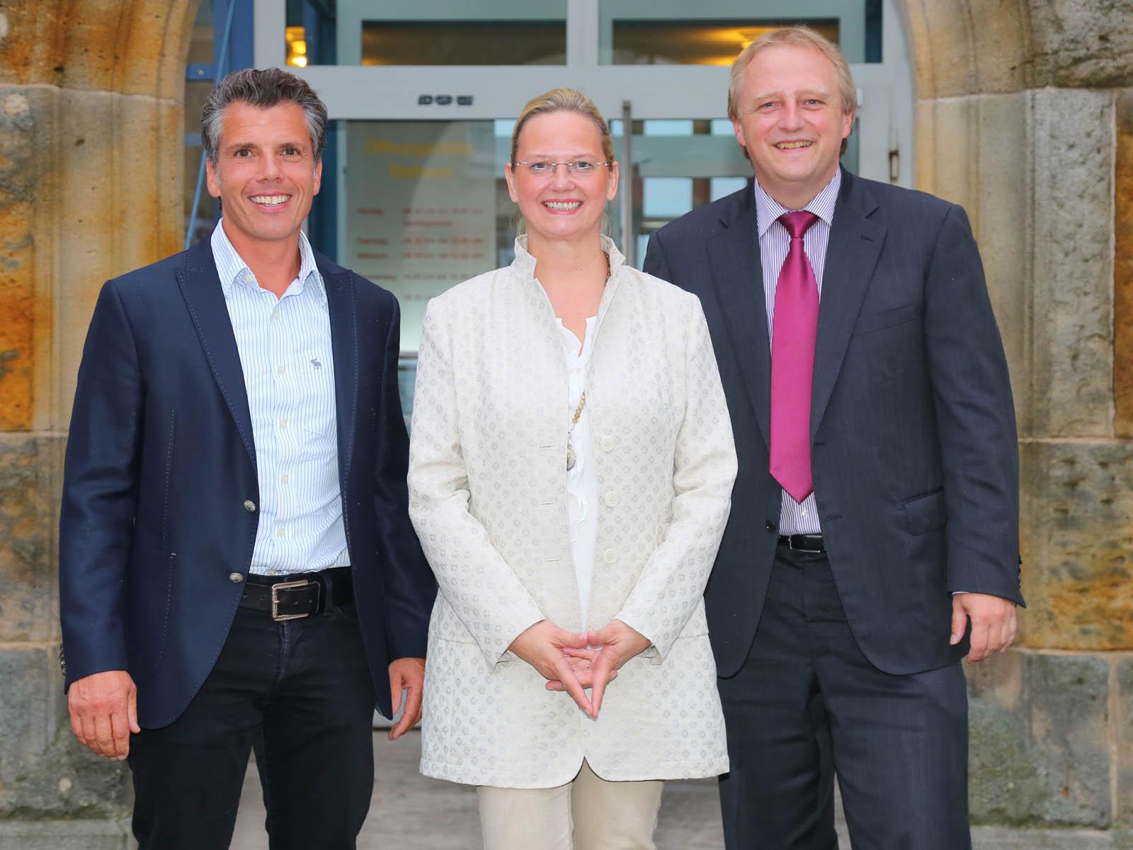 Bürgermeister Wolfgang Lahl, Ortsvorsteher Thomas Müller (links) und Ortsvorsteherin Silvia Bühler (Mitte)