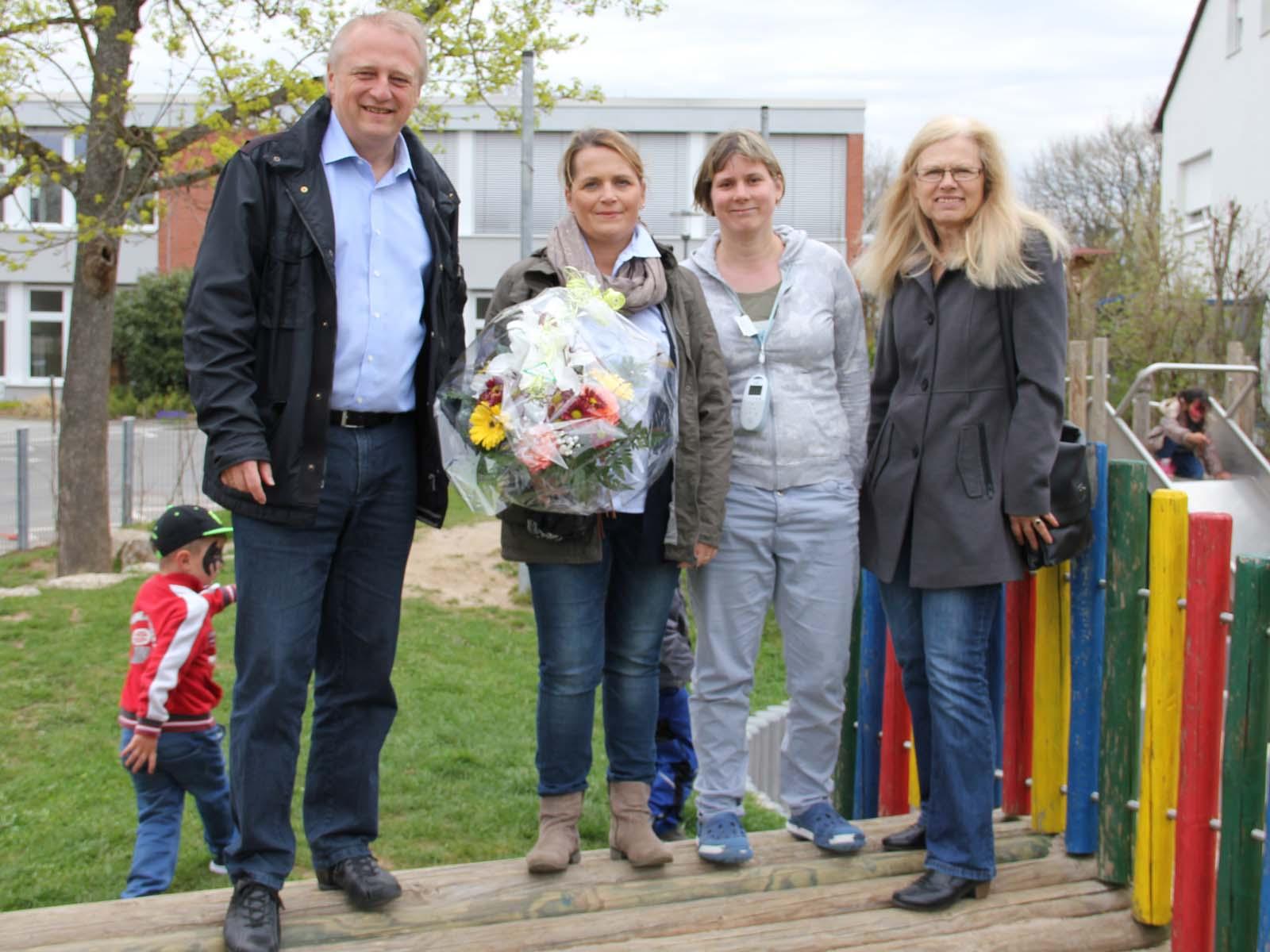 V.l.: BM Wolfgang Lahl, Sabine Jauß, Imke Krämer, Helga Wolff